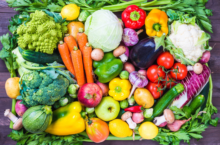 familles-modestes-seraient-leseloignees-fameuse-preconisation-fruits-legumes-inspiree-lOrganisation-mondiale-sante-OMS_1_729_482.jpg